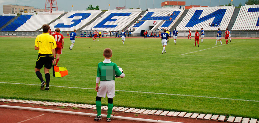 Экс-футболисты «Зенит-Ижевска» требуют от ижевского клуба выплаты премиальных за «серебряный» сезон