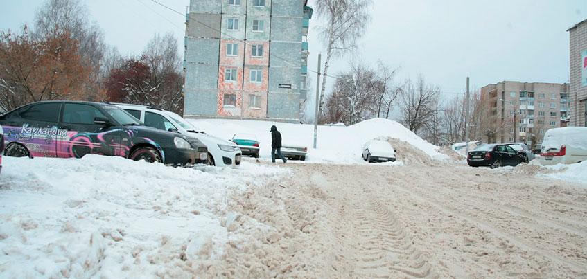 Шесть подрядчиков будут убирать снег с улиц Ижевска в 2018 году