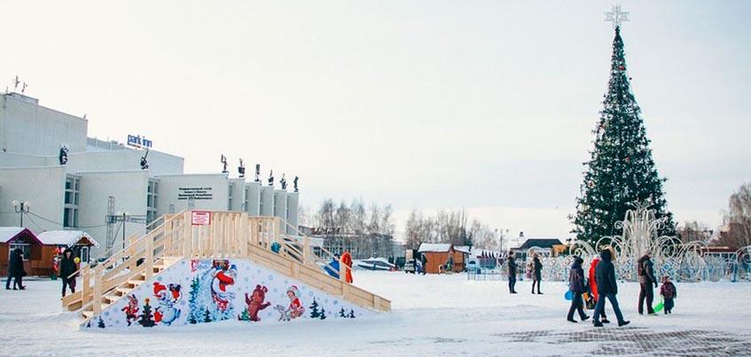 Ледяные скульптуры на площади в Ижевске начнут создавать 20 декабря