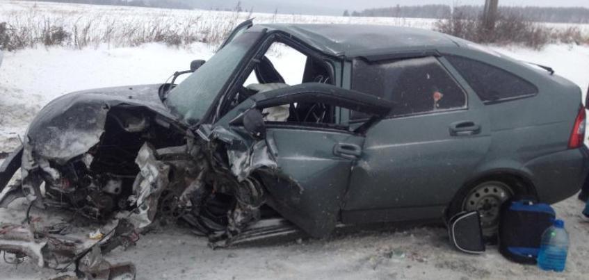 В Удмуртии при столкновении двух авто пострадали шесть человек