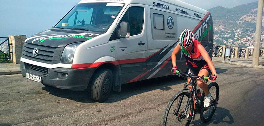 Микроавтобус известной в Ижевске команды по велоспорту «Формат-Удмуртия» проехал более 5000 км для участия в международной гонке в Турции
