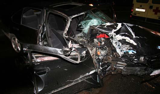 В Ижевске пьяный водитель за рулем «БМВ» врезался в фуру
