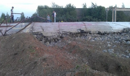 Разбор самолета и фотосессии на развалинах: о чем утром говорят в Ижевске