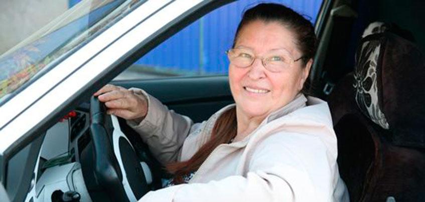 Пенсионерка из Ижевска сдала на права в 62 года ради мечты