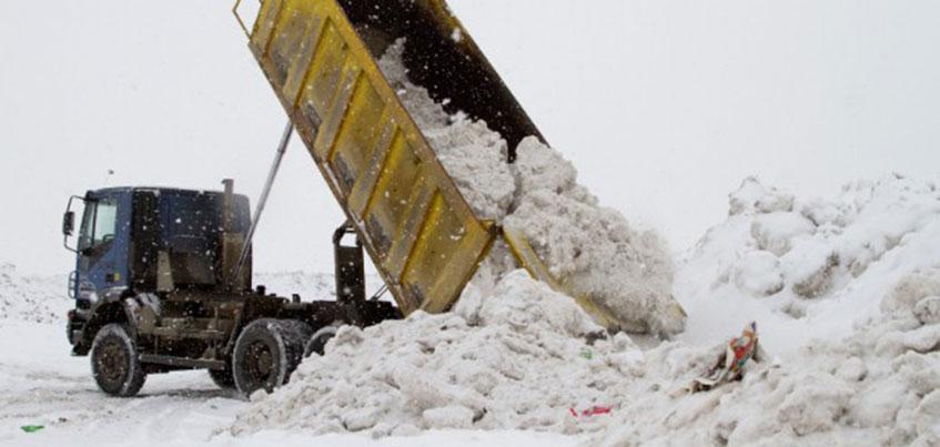 В Ижевске за организацию незаконных свалок снега будут штрафовать