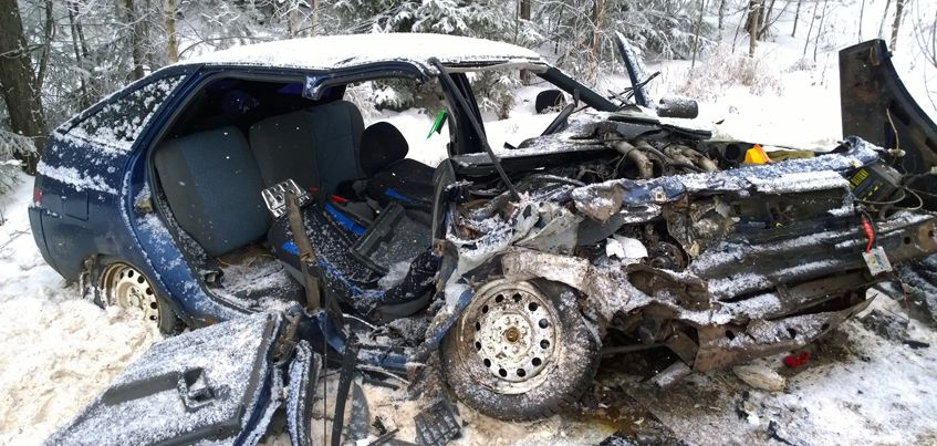 В Удмуртии при столкновении двух авто погибли три человека