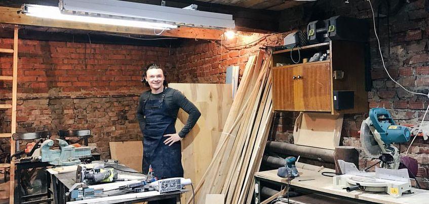 «Хендмейд недели»: Ижевский бариста бросил успешную работу и открыл столярную мастерскую