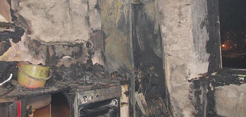 Пожар на Ворошилова в Ижевске: из горящего дома вывели 5 человек