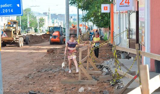 В Ижевске магазины на улице Карла Маркса из-за ремонта дороги несут убытки