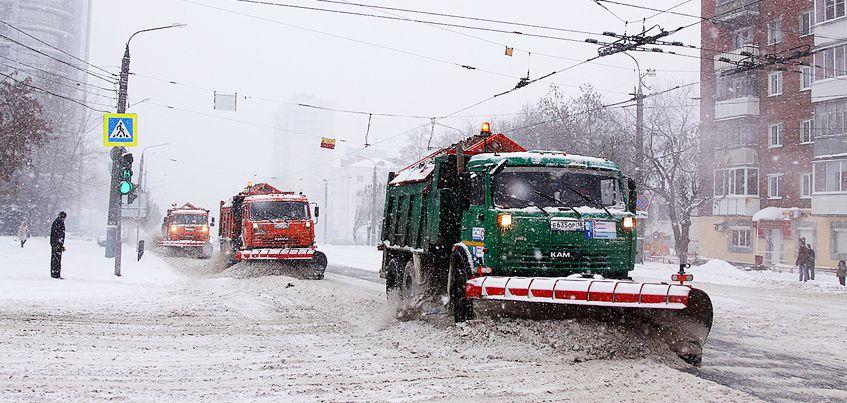 Ижевчане пока не заметили улучшений в чистке дорог от снега
