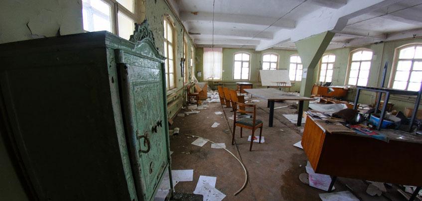 Фоторепортаж: Блогер пробрался в заброшенное конструкторское бюро «Ижмаша» в Ижевске