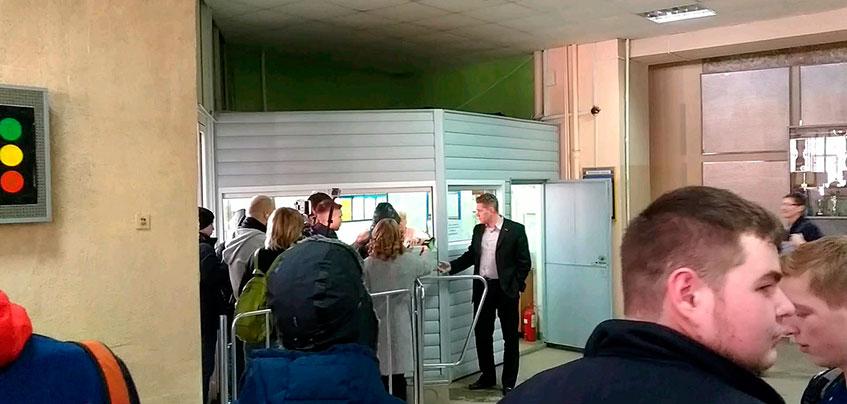 Очевидцы: в Ижевск приехала съемочная группа программы «Ревизолушка»