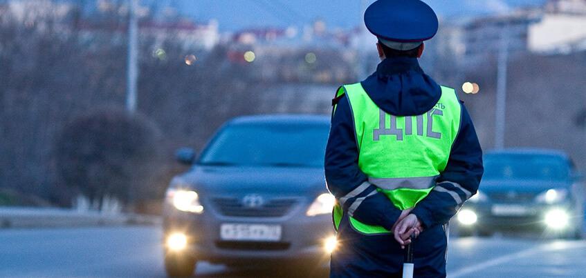 В Ижевске бывший инспектор ДПС убедил женщину-водителя, что она пьяна