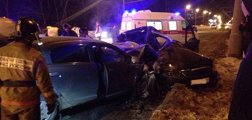 Два человека погибли в ДТП на Новоажимова в Ижевске