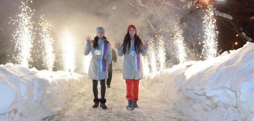 Олимпийская чемпионка из Ижевска Алина Загитова вернулась в Россию