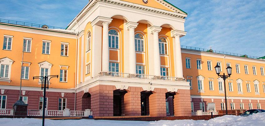 Профицит бюджета Удмуртии в 2018 году сократится на 923 млн рублей