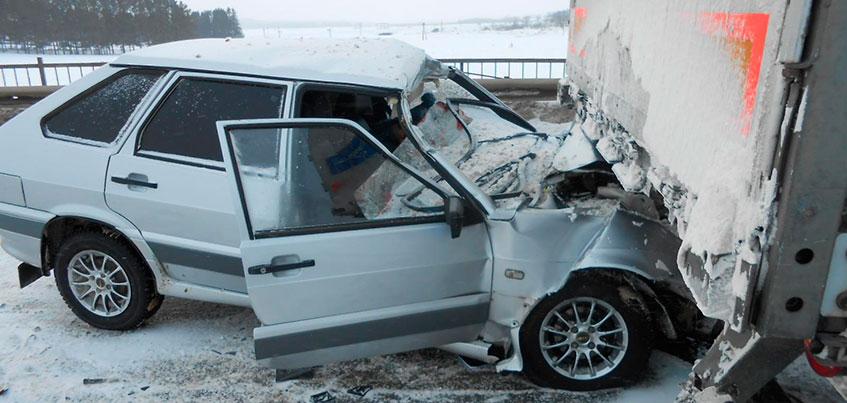 В результате двойного ДТП в Балезинском районе Удмуртии погиб человек
