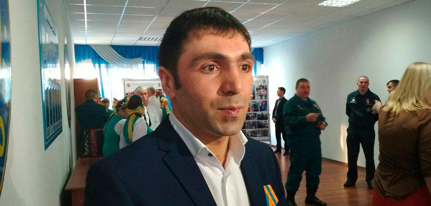 Взрыв газа в Ижевске: в МЧС наградили предпринимателя, который помогал разбирать завалы на Удмуртской