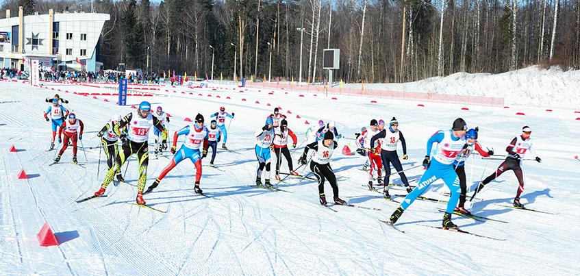 Массажист сборной России и спортсмены-паралимпийцы: кто вышел на трассу Всероссийских любительских игр в субботу?