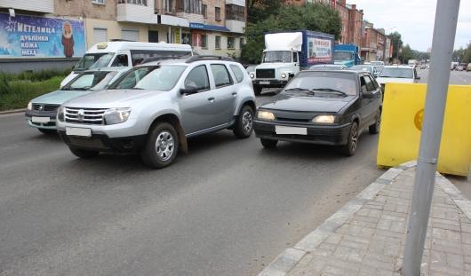 В Ижевске на перекрестке улиц Удмуртской и Лихвинцева продлят полосы до «зебры»