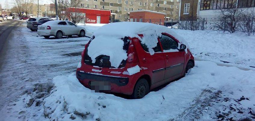 Перезимуем: В Ижевске могут наказать 159 автомобилистов, чьи машины помешали уборке снега