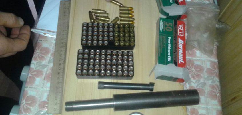 В Удмуртии силовики задержали трех мужчин за изготовление и хранение оружия