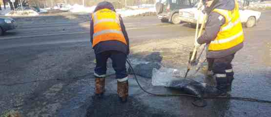 Помимо забот с чисткой дорог от снега, в Ижевске обострилась проблема сосулек