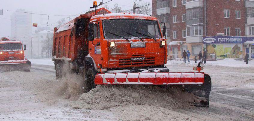 Перезимуем: с начала зимы с улиц Ижевска вывезли 541 тыс. куб. м снега