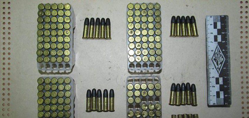 В Удмуртии задержали двух мужчин за незаконное хранение оружия