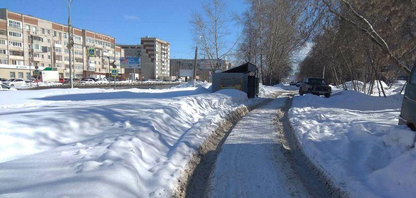 Перезимуем: ижевчане жалуются на нечищенные тротуары и заезды к домам
