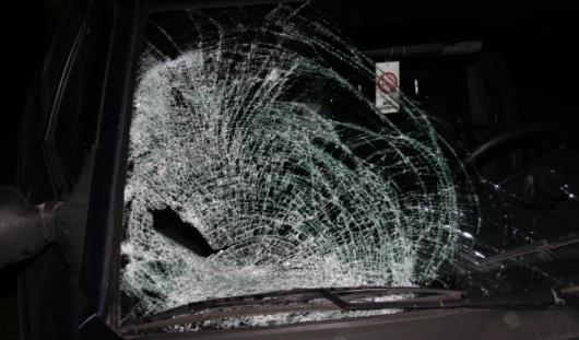 В Удмуртии женщина шла по середине дороги и попала под колеса «десятки»