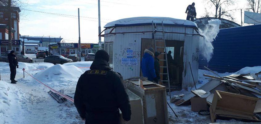 Фотофакт: ларек снесли у автовокзала в Ижевске