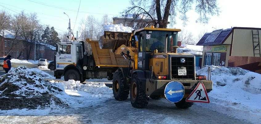 Этой зимой в Ижевске вывезли на 40% больше снега, чем в прошлом году