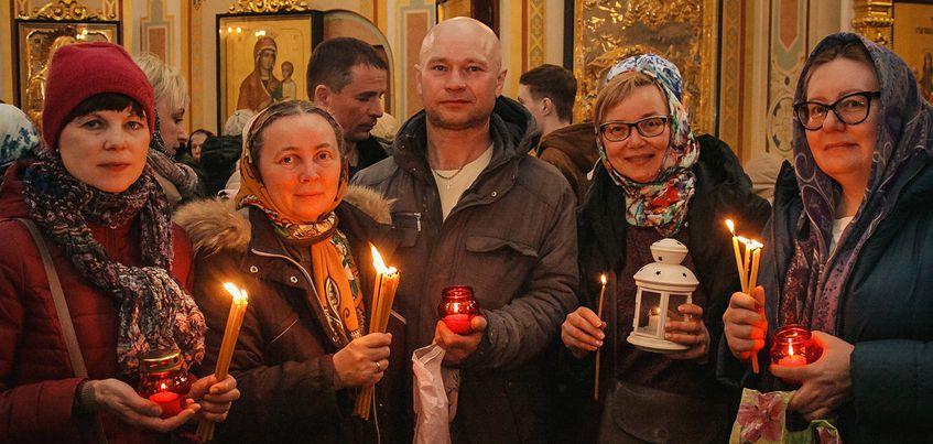 В Пасхальных богослужениях в храмах Удмуртии приняли участие более 21000 человек
