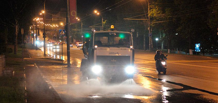Дороги и тротуары в Ижевске помоют шампунем