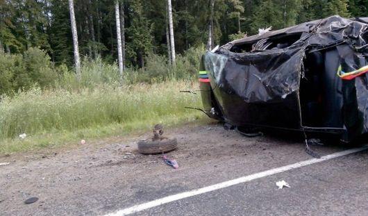 Свадебный автомобиль попал в ДТП под Ижевском