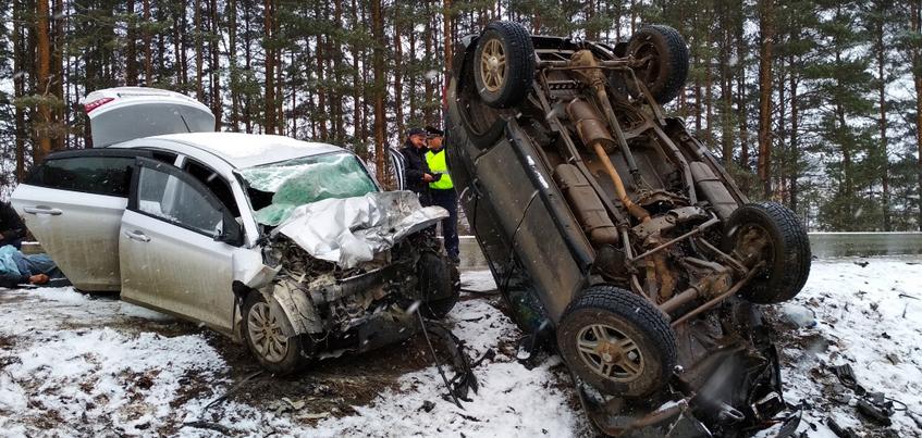 ДТП под Ижевском: один человек погиб, двое травмированы