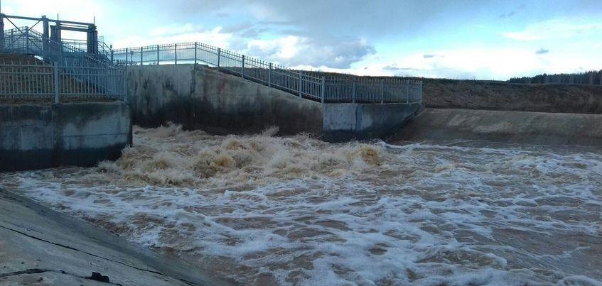 Жителей Кизнера эвакуируют из-за паводка