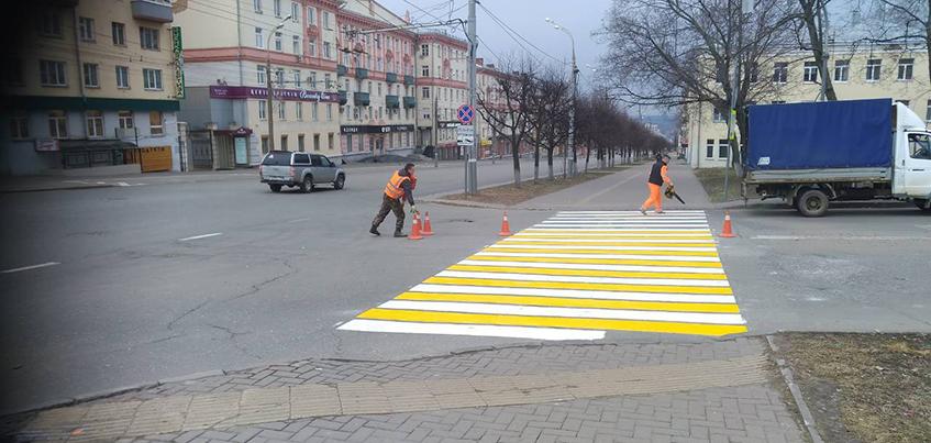 На ул. Пушкинской в Ижевске начали обновлять разметку
