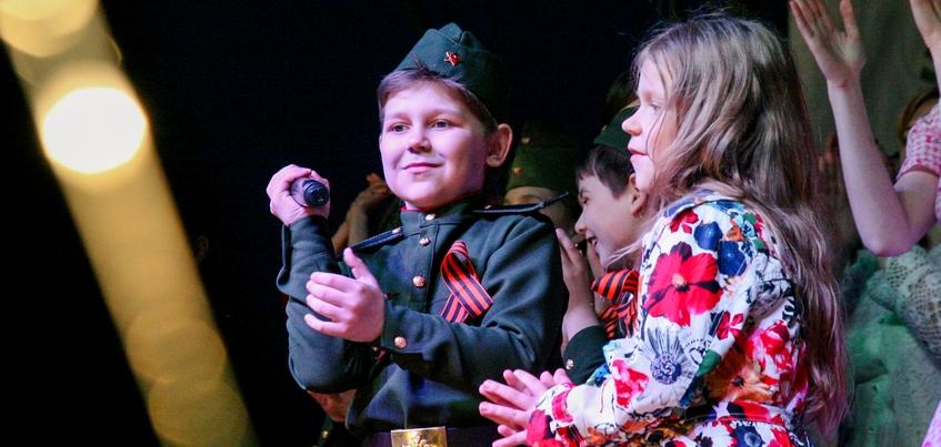 Ижевчане станцуют военный вальс под «Песни нашей Победы»