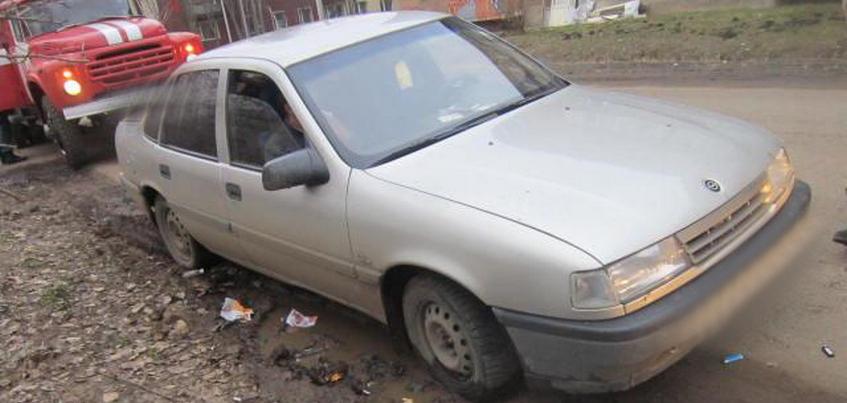 Нетрезвая водитель иномарки сбила двух детей в Глазове