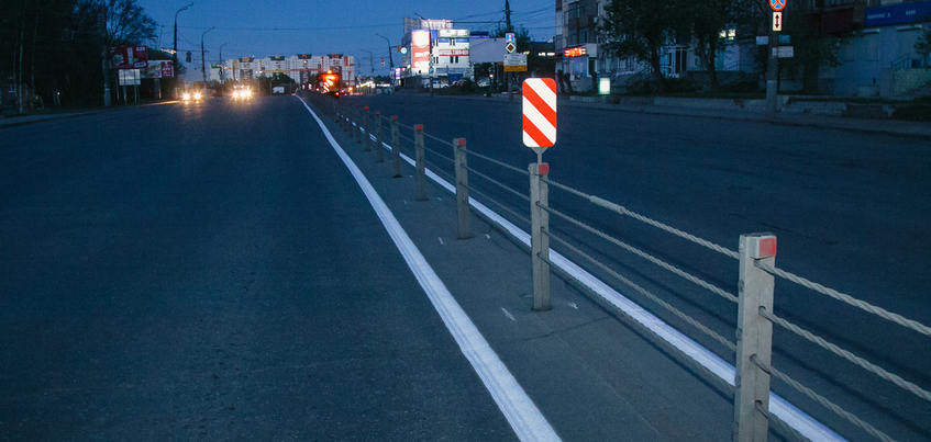 Разметку у тросовых ограждений в Ижевске нанесут повторно после ремонта дороги