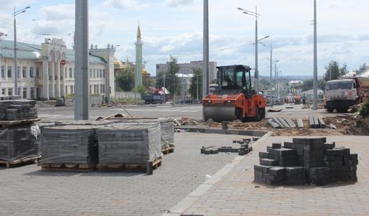 На Карла Маркса в Ижевске сделали тротуар и установили светофоры