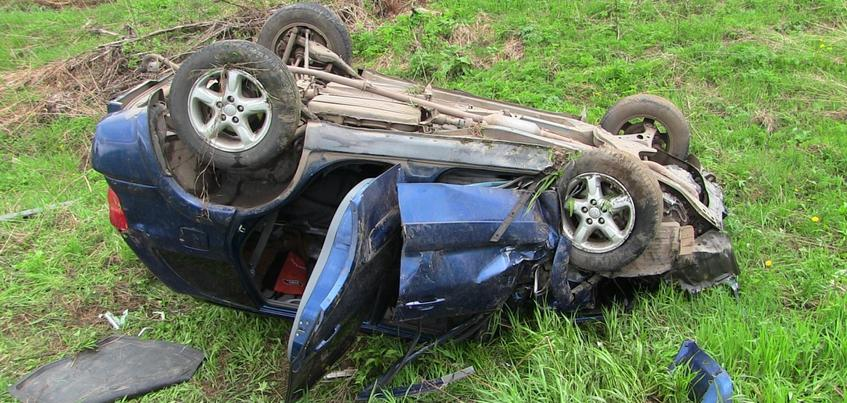 Три человека пострадали на дороге в Удмуртии