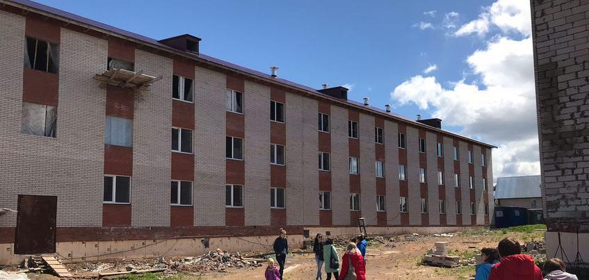 Строительство ЖК «Родниковый край» должны завершить в сентябре 2019 года