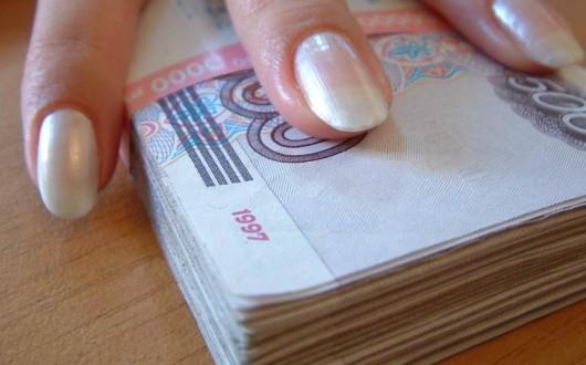 Около 2,5 тысяч женщин Удмуртии не платят своим детям алименты