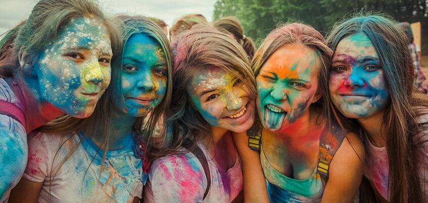 Есть вопрос: кто отмоет площадку у монумента «Навеки с Россией» после фестиваля красок в Ижевске?
