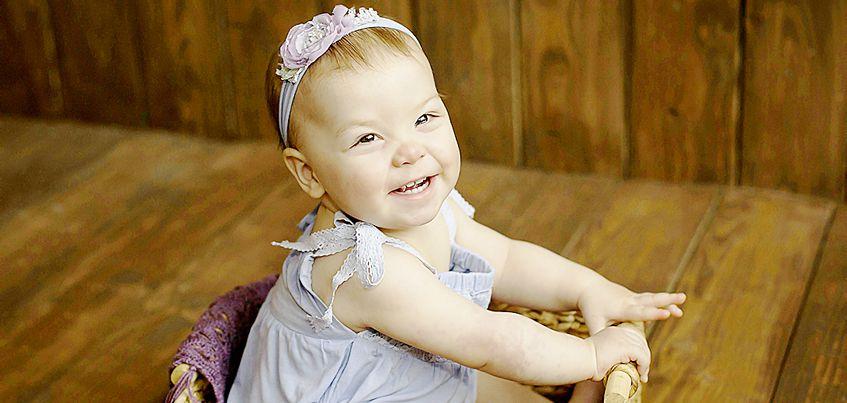 Нужна помощь: маленькая Мирослава из Ижевска страдает от капиллярного порока