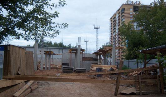 В Ижевске на переулке Северном строят бизнес-центр