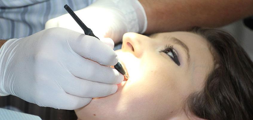 Белоснежная улыбка: для чего нужна профессиональная гигиена полости рта?